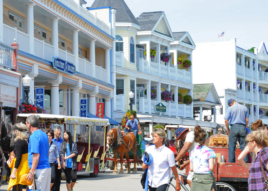 Mackinac Island Packages | Mackinac Island Hotels in St Ignace | Vacation to Mackinac Island