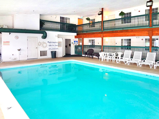 St. Ignace Accommodations with Indoor Heated Pool | St. Ignace Lodging with Pool | Saint Ignace of Michigan | Upper Peninsula Hotels Motels Lodging