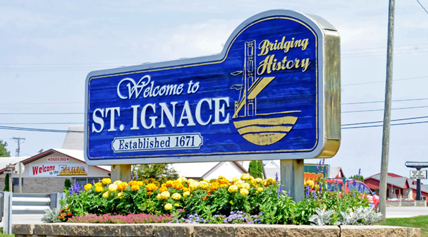 St. Ignace Lodging with Pool in Saint Ignace of Michigan